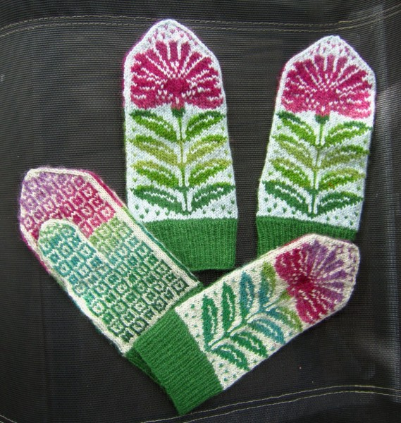 Mittens with Flower