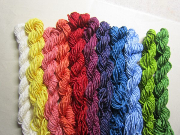 Farbsortiment Seiden-Perlgarn Stickgarn pflanzengefärbt 10er Pack